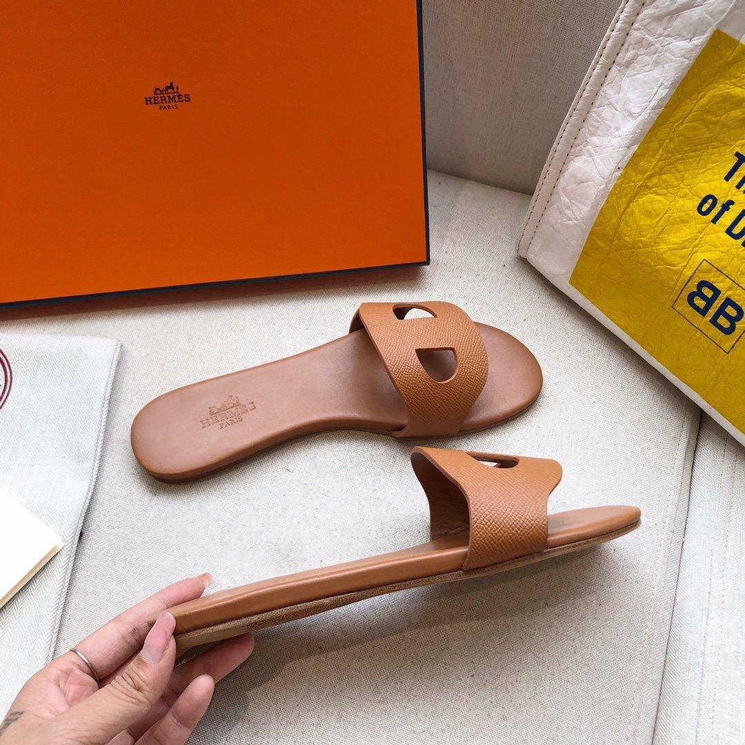 爱马仕Hermes经典款猪鼻子马卡龙色系拖鞋手掌纹牛皮(图4)
