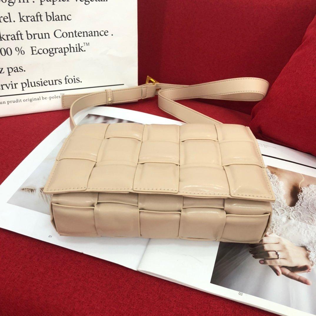 Bottega venetḁ宝提嘉 爆款手拎 斜挎包(图12)