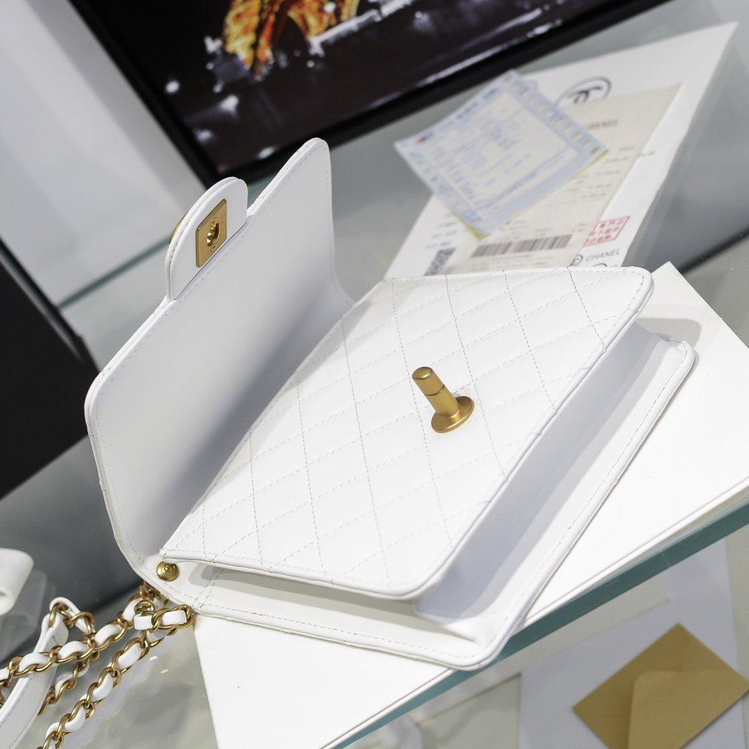 chanel香奈儿 2020春透夏明珍珠级高系列透明珠珍菱格条链包(图7)