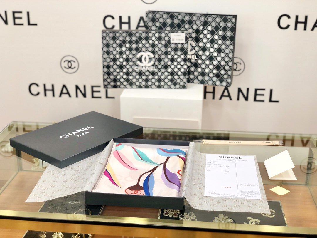 chanel小香顶级斜纹真丝方巾(图1)