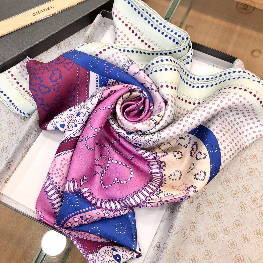 香奈儿 明星大牌的最爱 双面真丝斜纹方巾(图6)
