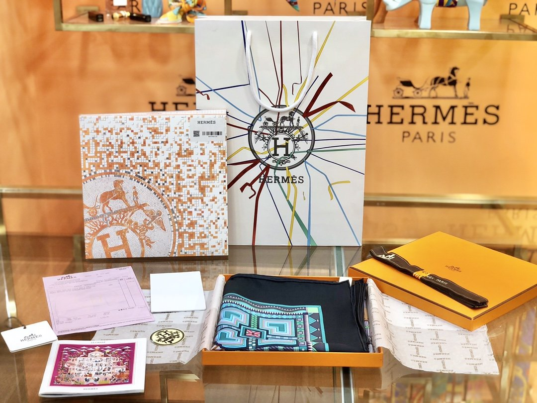 Hermes爱马仕丝巾 手工卷边斜纹真丝方巾(图2)