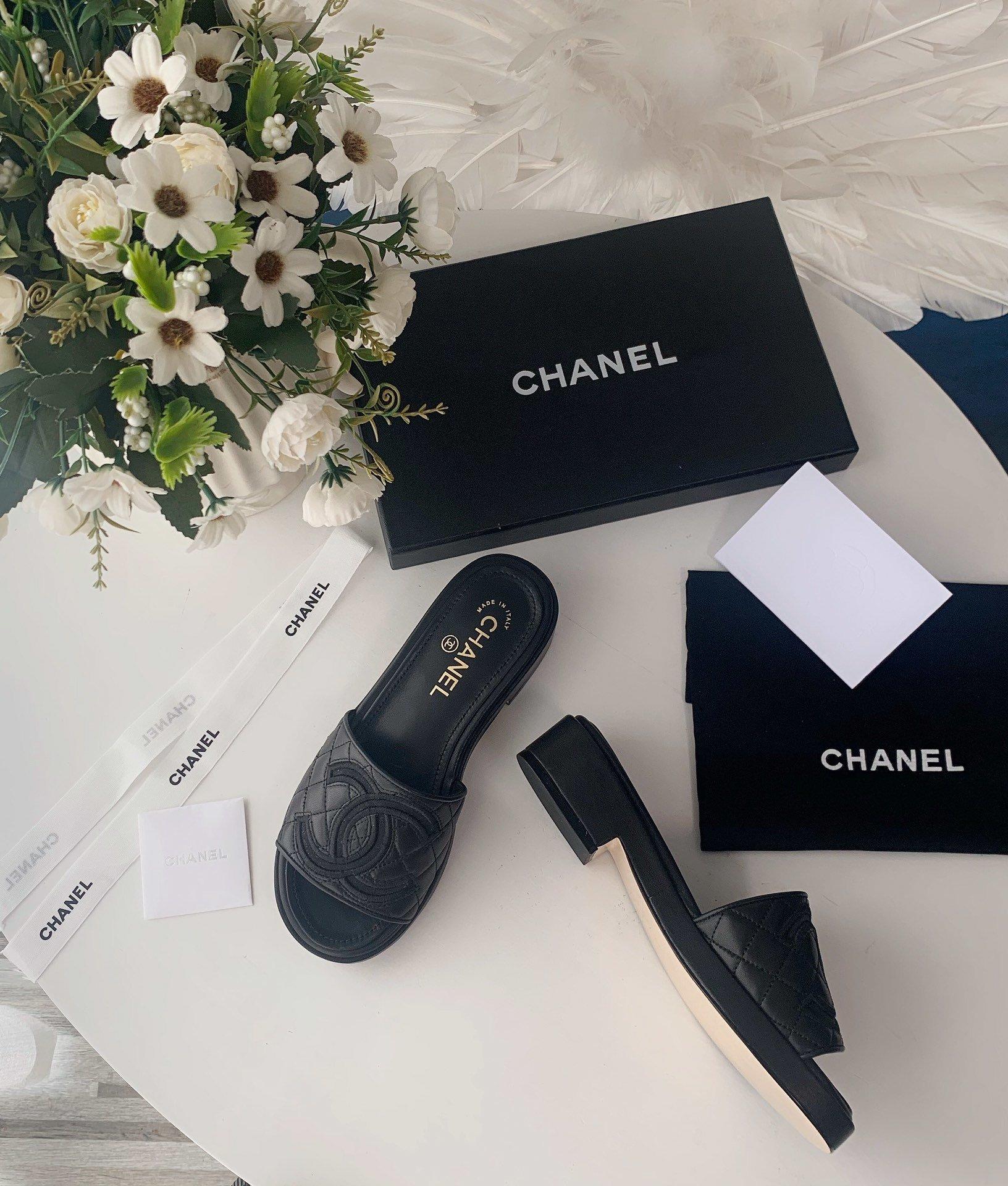 Chanel20春夏全羊皮蜜儿拖鞋菱格刺绣(图2)