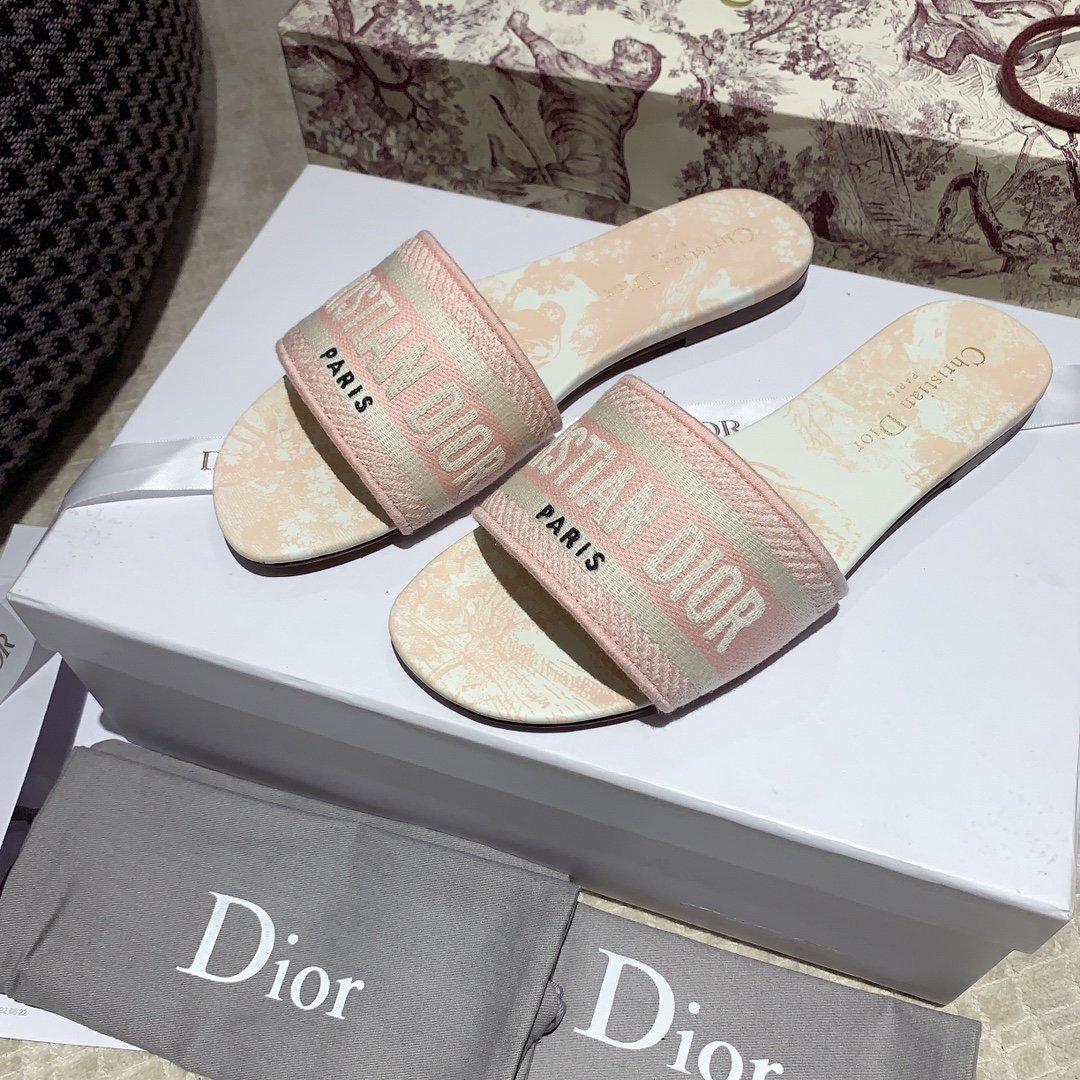 Dior专柜刺绣字母拖鞋经典耐看的懒人拖鞋(图11)