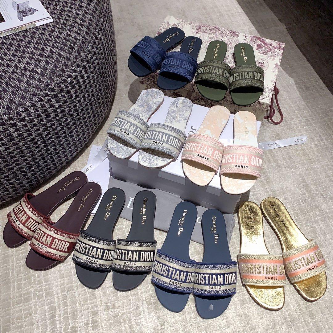 Dior专柜刺绣字母拖鞋经典耐看的懒人拖鞋(图9)