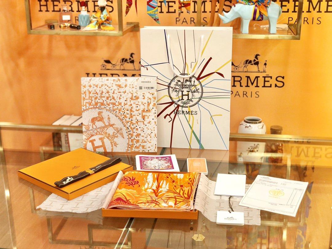 Hermes新款林中斑马90cm真丝方巾(图1)