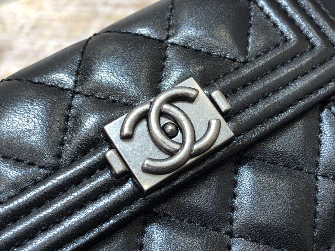Chanel新款式 经典短夹(图2)