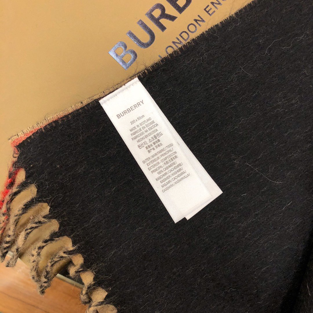 Burberry 条纹围巾的经典条纹(图8)