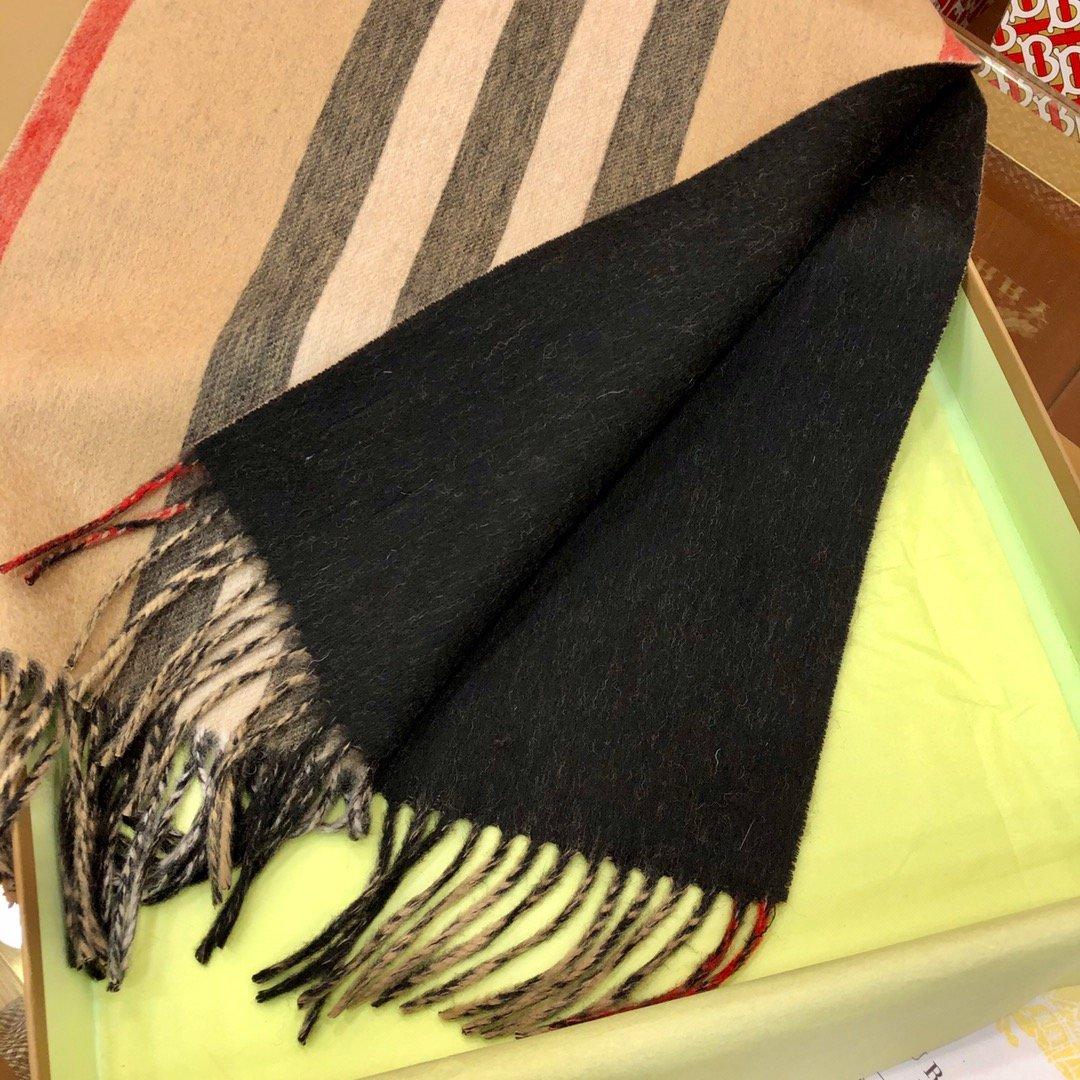 Burberry 条纹围巾的经典条纹(图6)