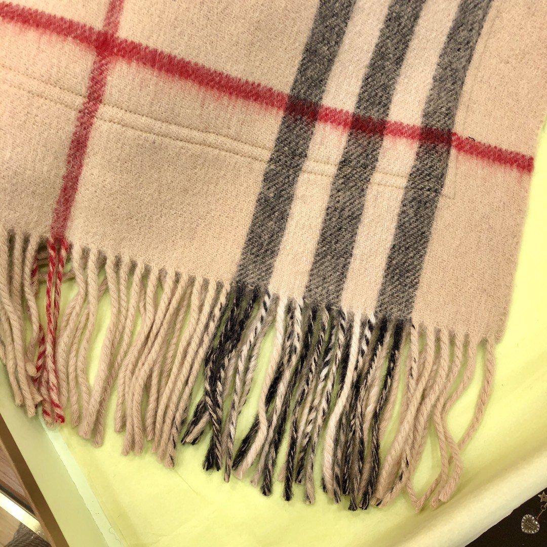 Burberry 口袋款围巾专柜经典(图6)