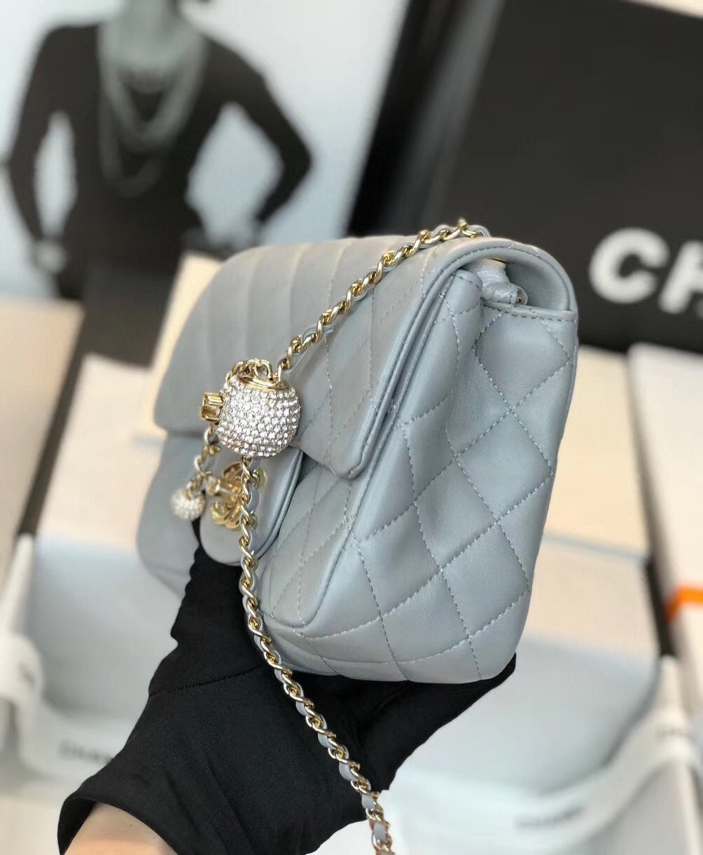 Chanel香奈儿专柜最新钻珠cf款(图6)