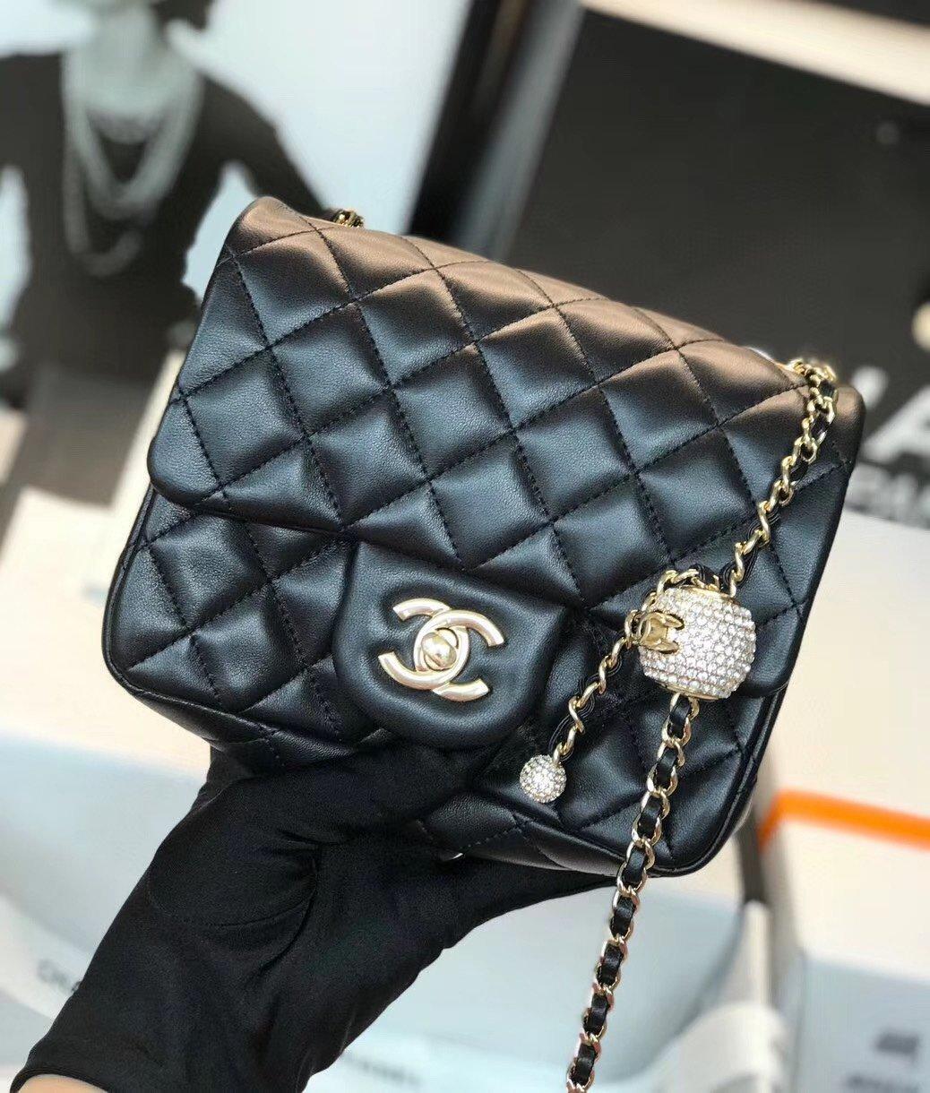Chanel香奈儿专柜最新钻珠cf款(图1)