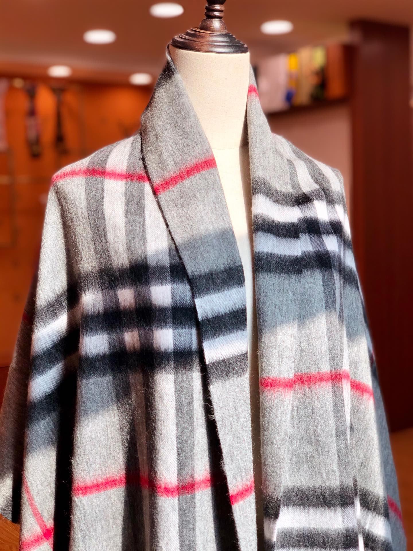 高版本 Burberry披肩  羊绒复古英伦风(图9)