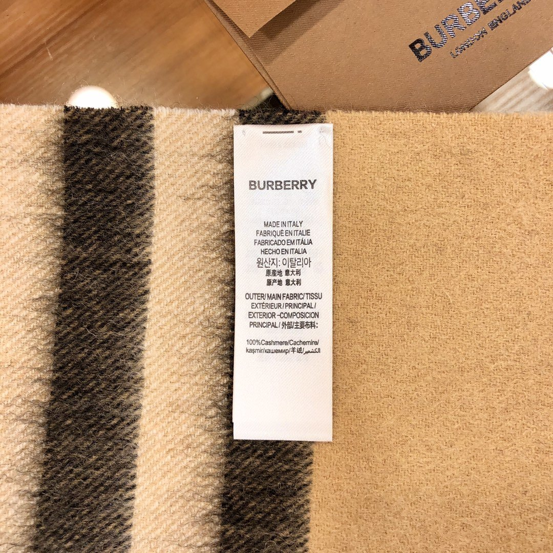 Burberry披肩  羊毛 驼色 经典 专柜同款(图5)