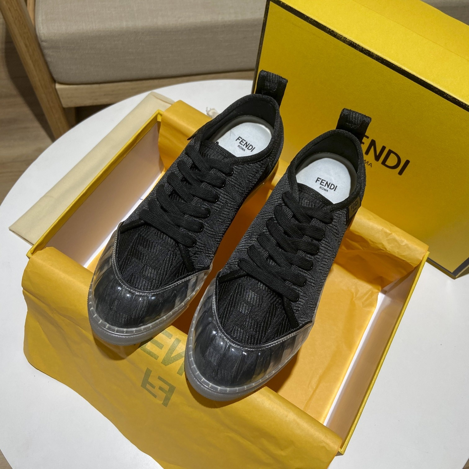 Fendi 芬迪20ss 原版新款电绣提花单鞋(图6)