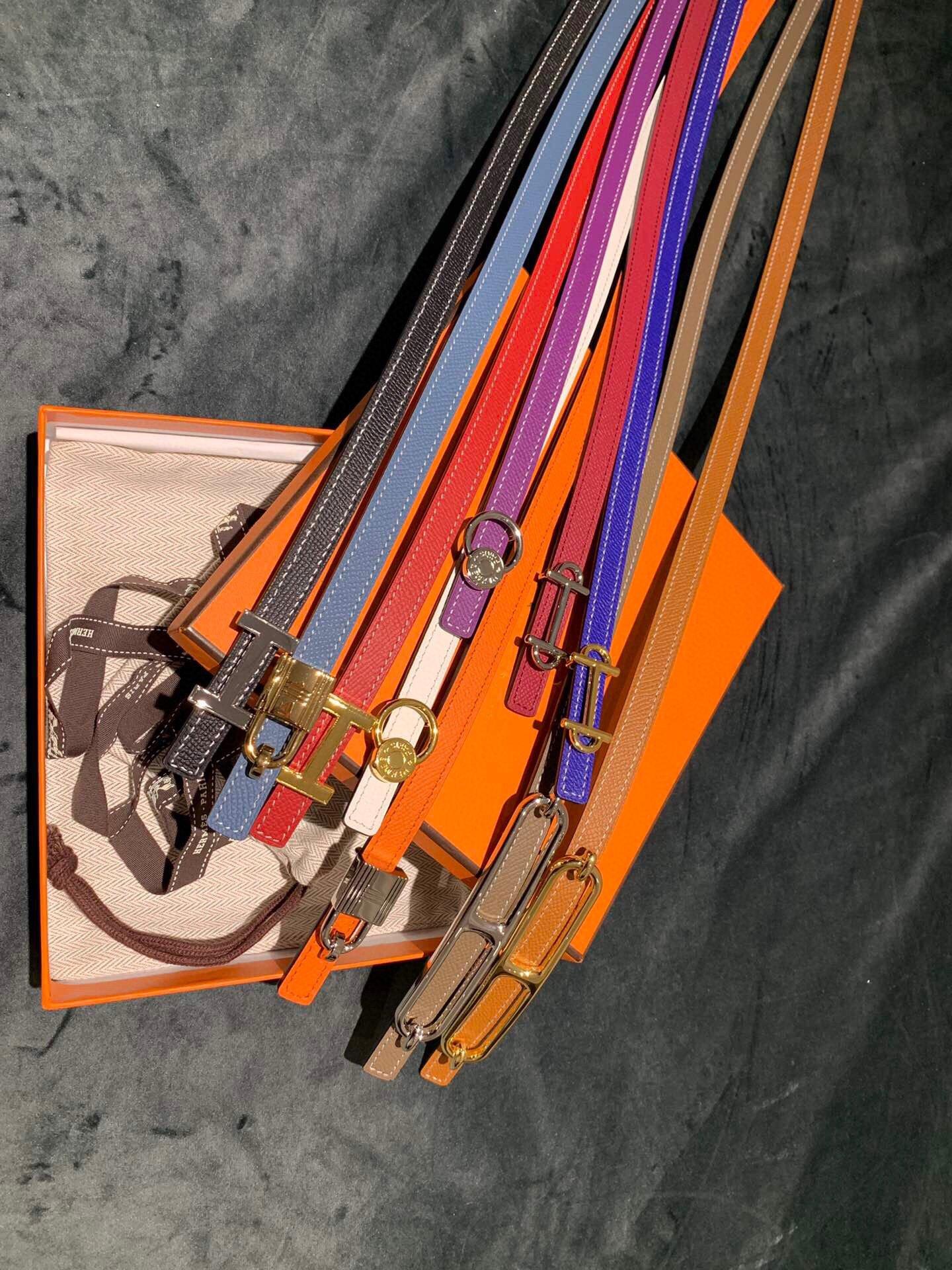 爱马仕Hermes意大利进口头层手掌纹牛皮配平纹纯铜扣(图3)