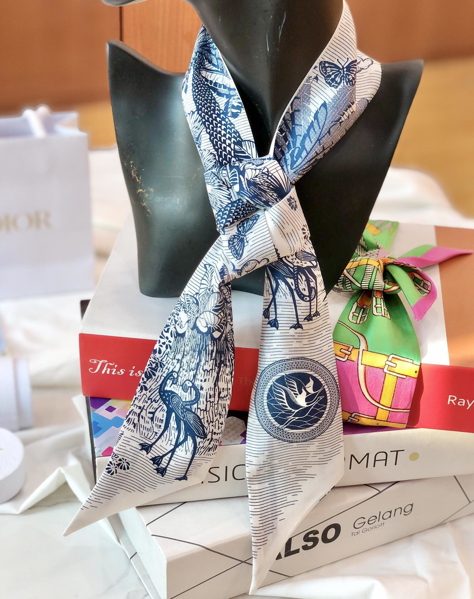 Dior新款小丝巾蓝色热带风情 Mitzah 丝巾(图10)
