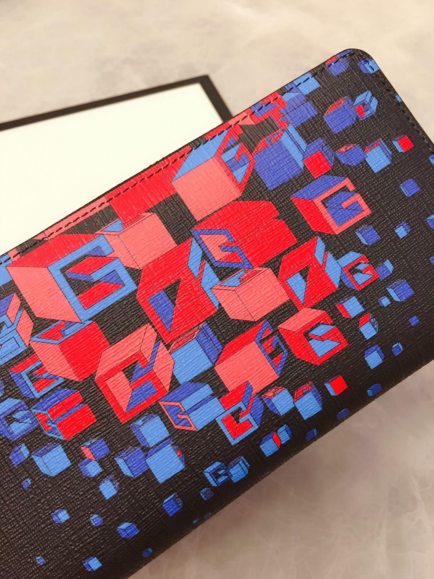 Gucci官网同步更新炫酷3D 时尚型男钱包 型号:628467(图4)
