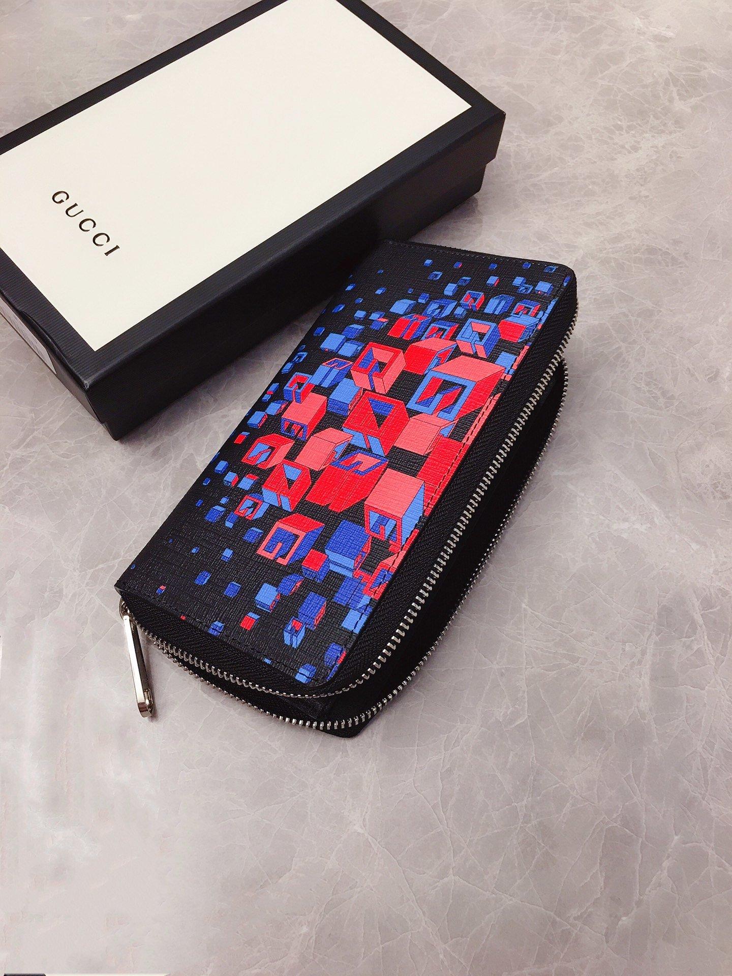 Gucci官网同步更新炫酷3D 时尚型男钱包 型号:628467(图6)