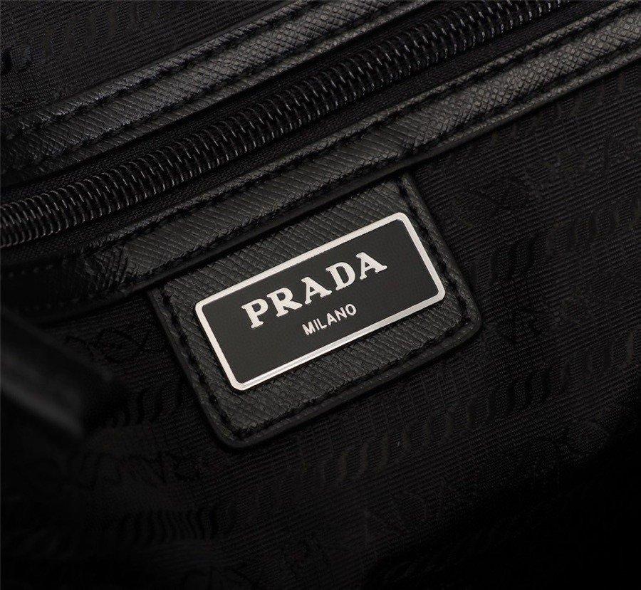 .PRADAp家时尚就是一个循环只有