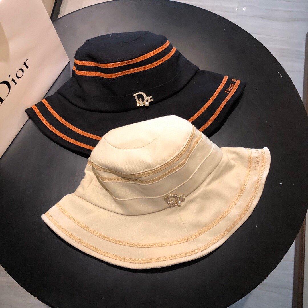 Dior迪奥新款渔夫帽字母刺绣 (图1)