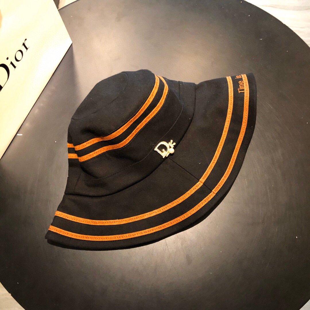 Dior迪奥新款渔夫帽字母刺绣 (图3)