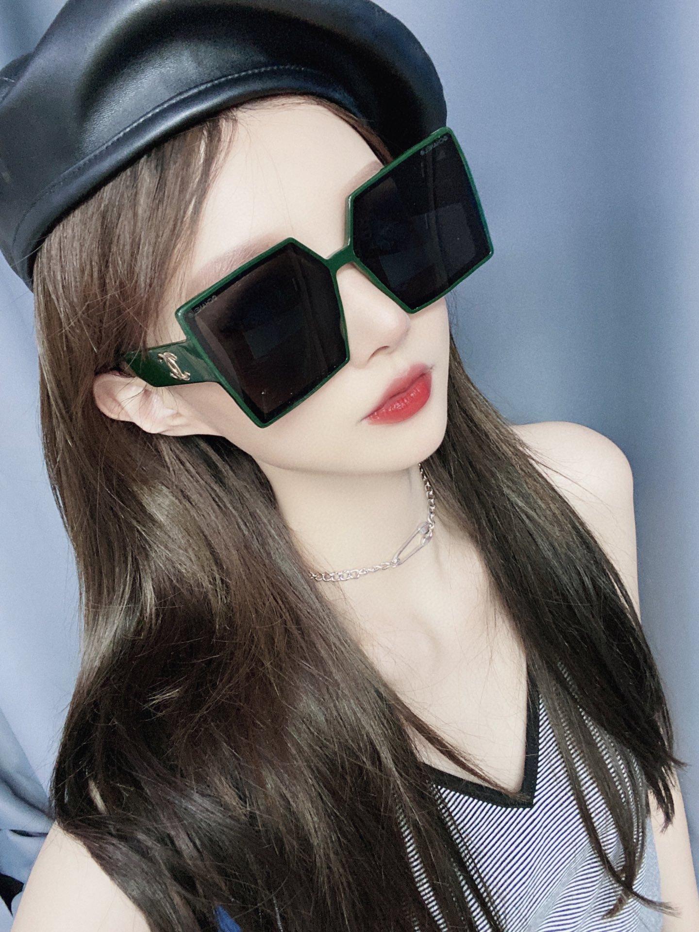 CHANEL香奈儿 CH5569  凹造型首选太阳眼镜 (图1)