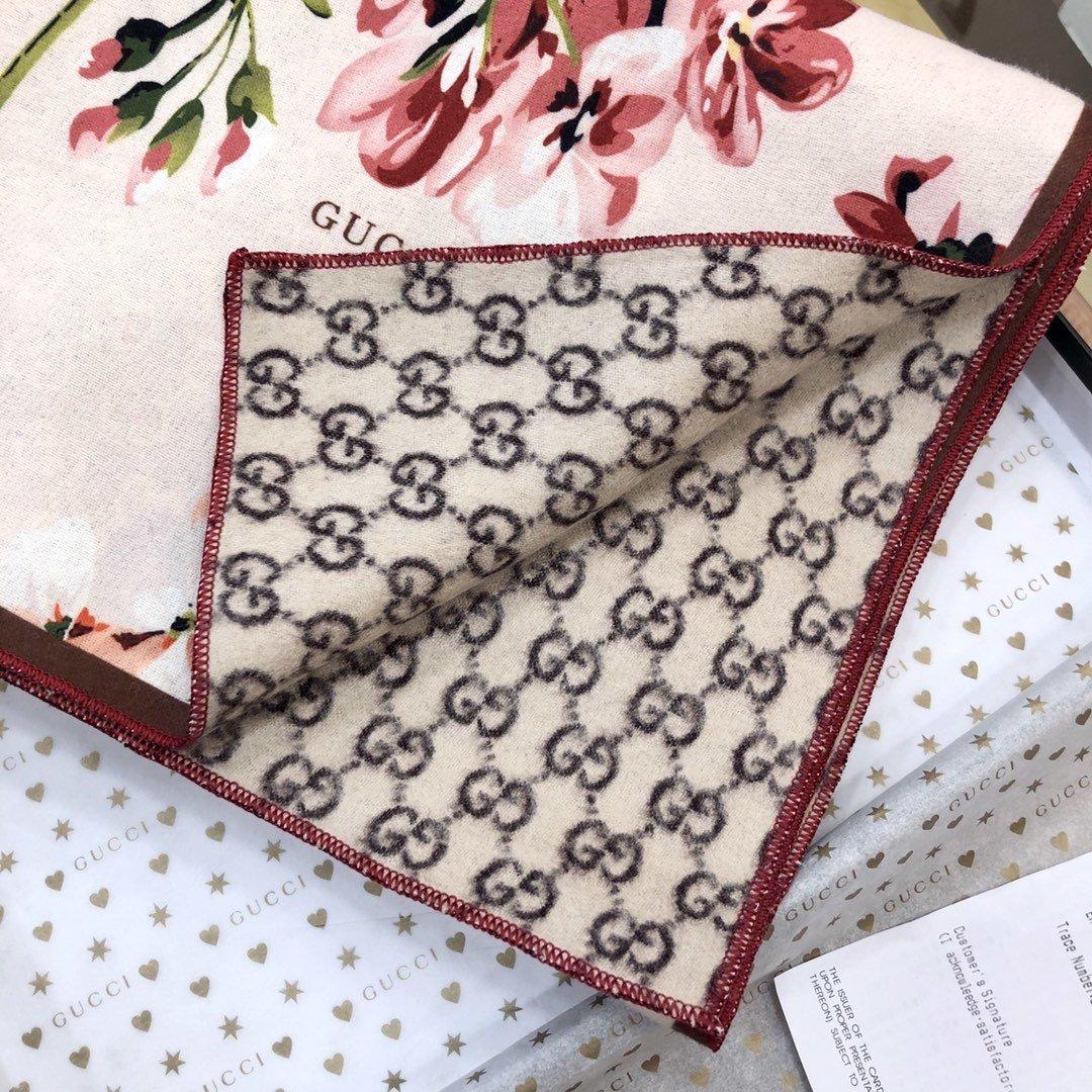 gucci真丝围巾印花图案 专柜同款(图2)