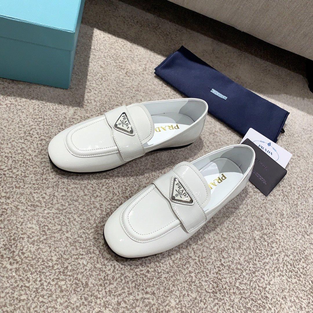 Prada代购品质2020新款乐福鞋(图4)