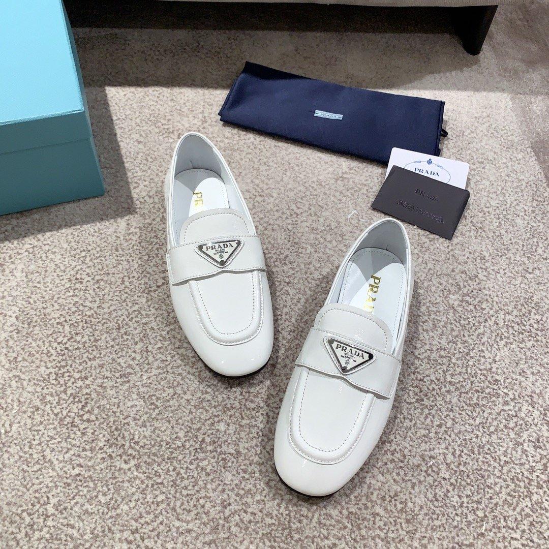 Prada代购品质2020新款乐福鞋(图2)