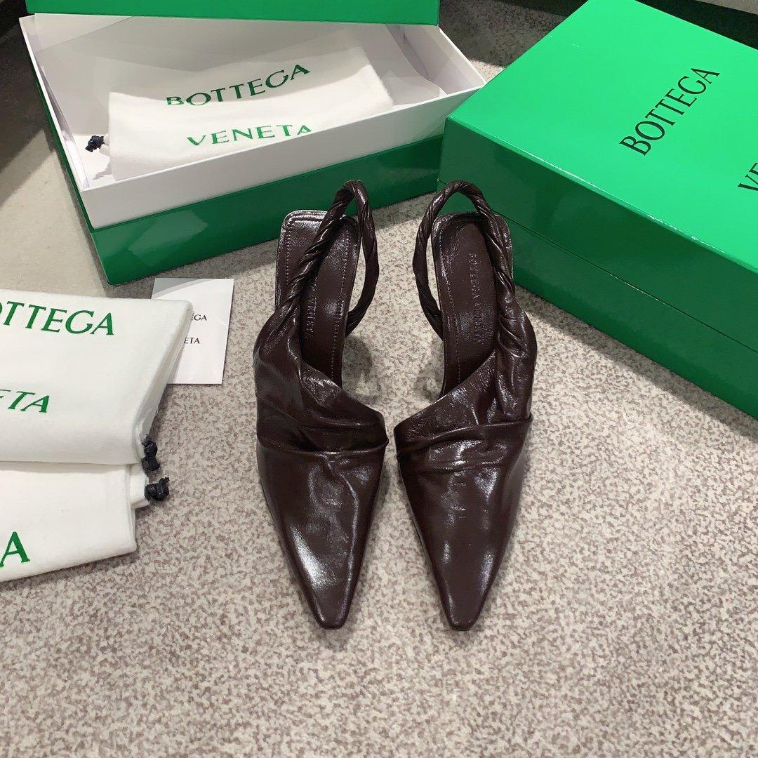 Bottega Veneta顶级版本HK专柜 2020 早秋新款尖头凉鞋(图5)