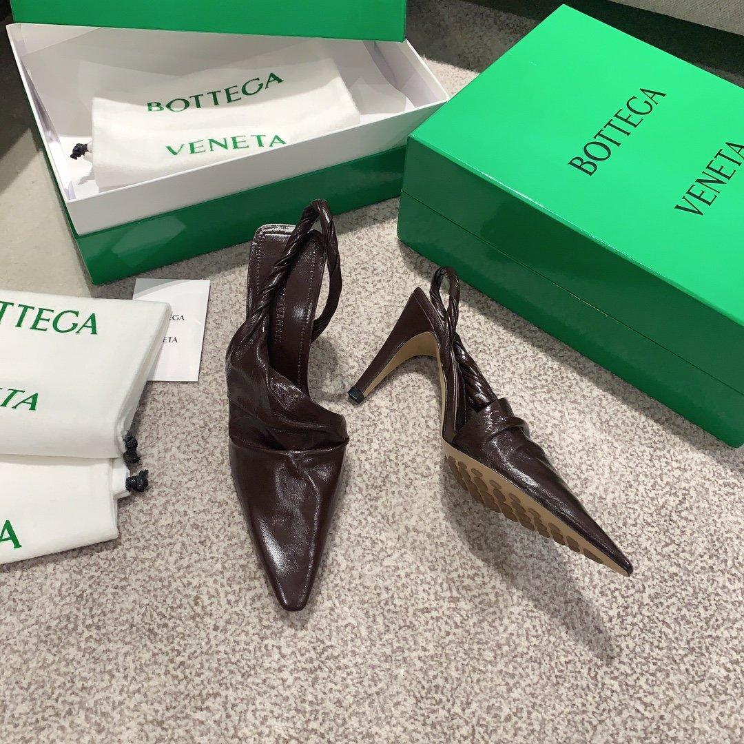 Bottega Veneta顶级版本HK专柜 2020 早秋新款尖头凉鞋(图7)
