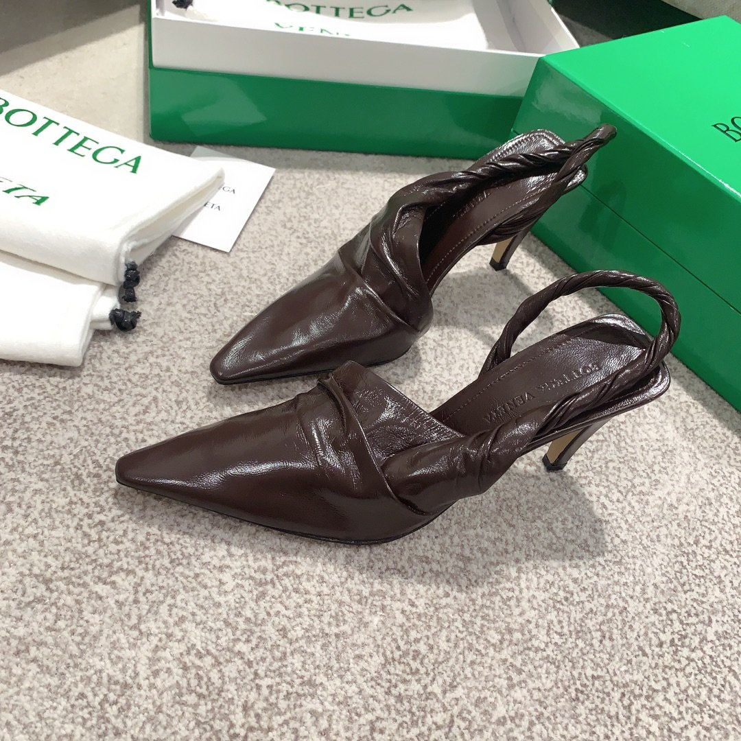 Bottega Veneta顶级版本HK专柜 2020 早秋新款尖头凉鞋(图6)