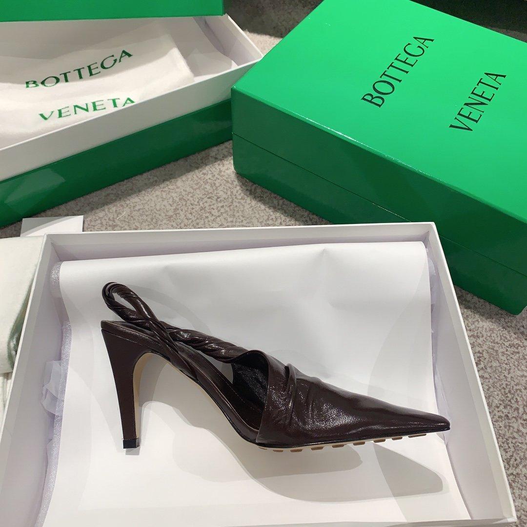 Bottega Veneta顶级版本HK专柜 2020 早秋新款尖头凉鞋(图8)