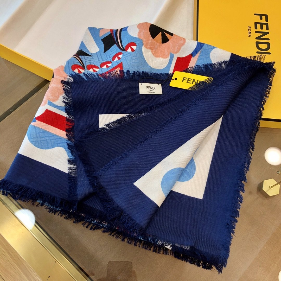 Fendi芬迪新款羊绒围巾(图3)