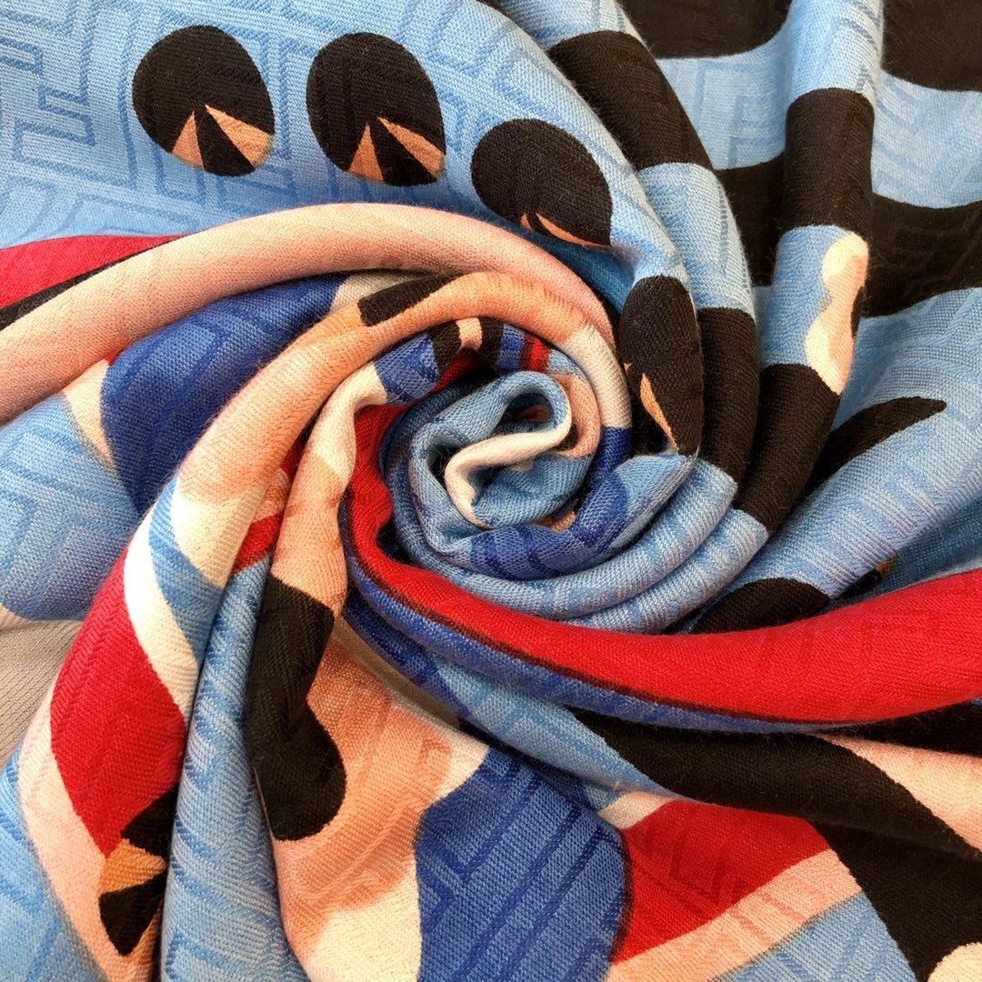 Fendi芬迪新款羊绒围巾(图4)
