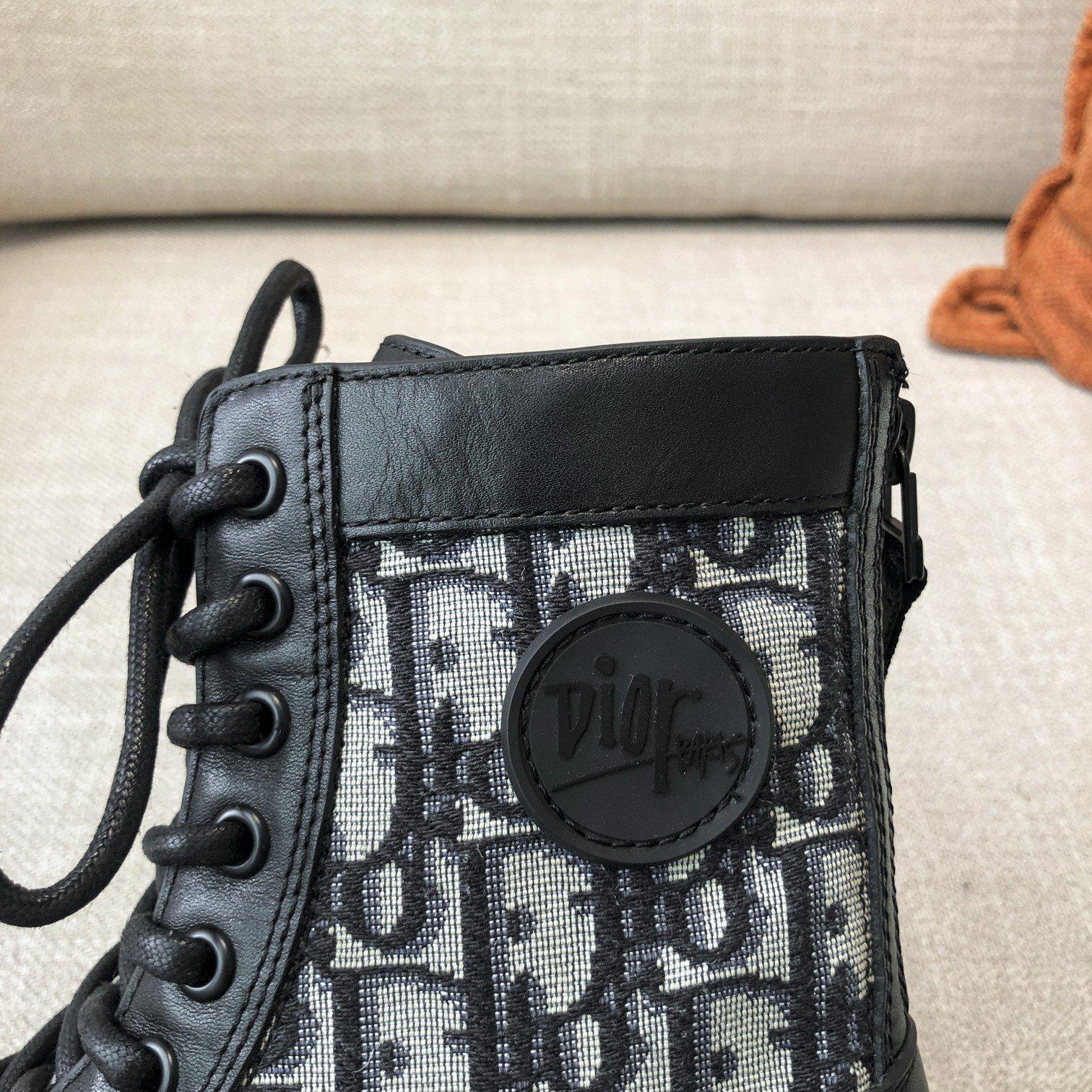 Dior高版本情侣 款2020ss秋冬新款字母厚底系带机车靴,秋冬T台走秀同款(图7)
