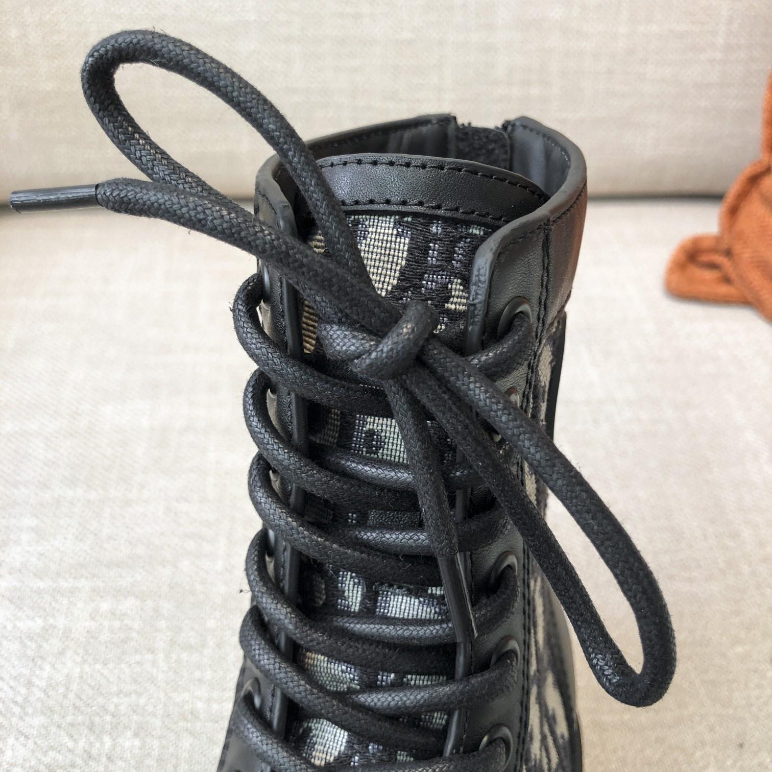 Dior高版本情侣 款2020ss秋冬新款字母厚底系带机车靴,秋冬T台走秀同款(图10)