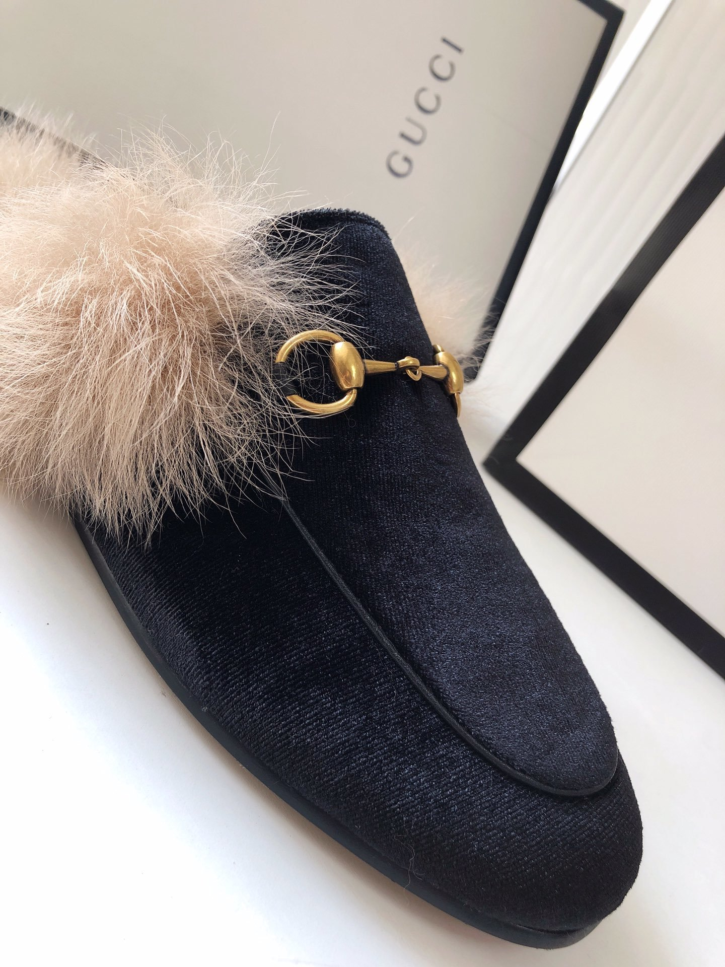 Gucci古奇 羔羊毛穆勒鞋高密度天鹅绒(图9)