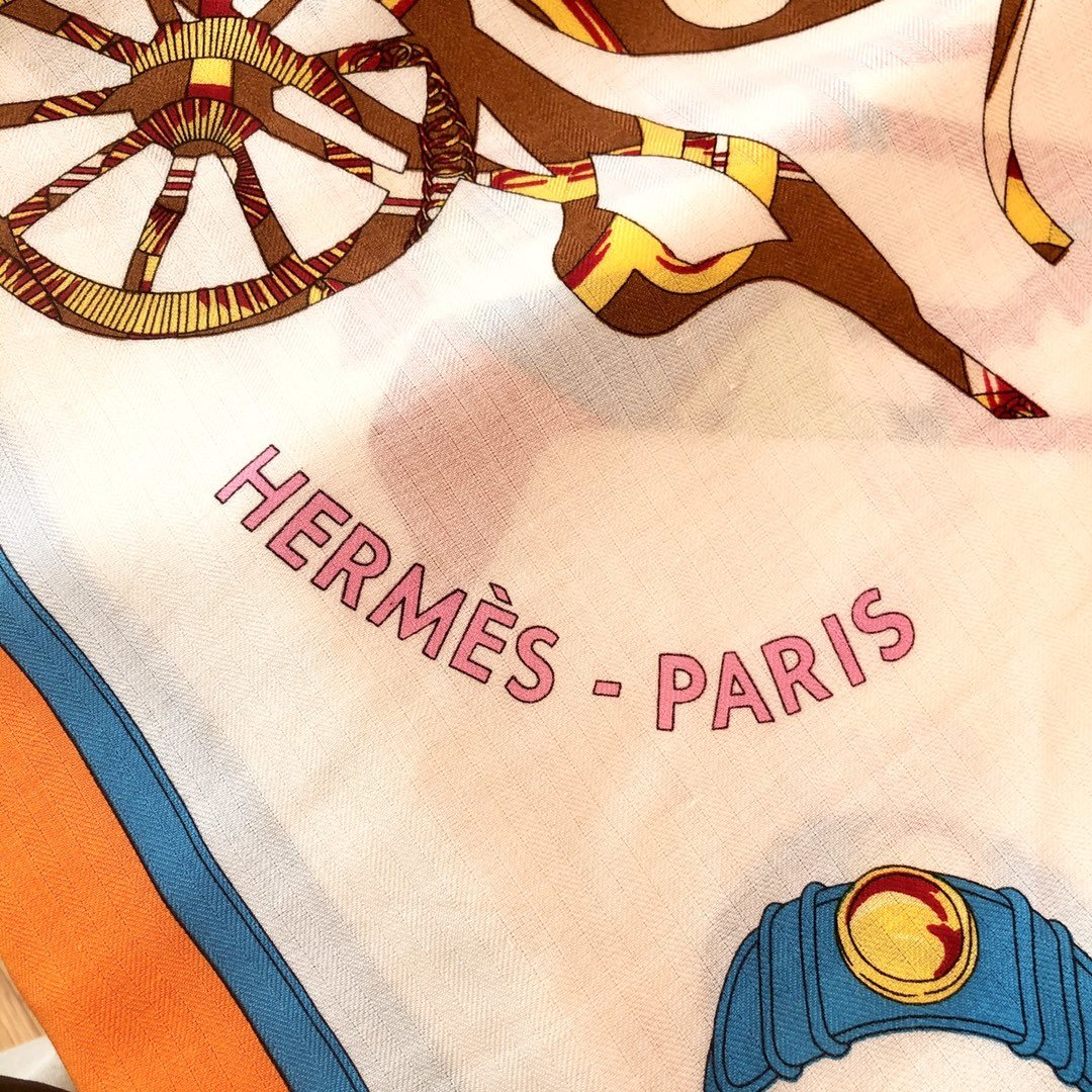 Hermes殿堂级御用丝绒大方巾(图8)