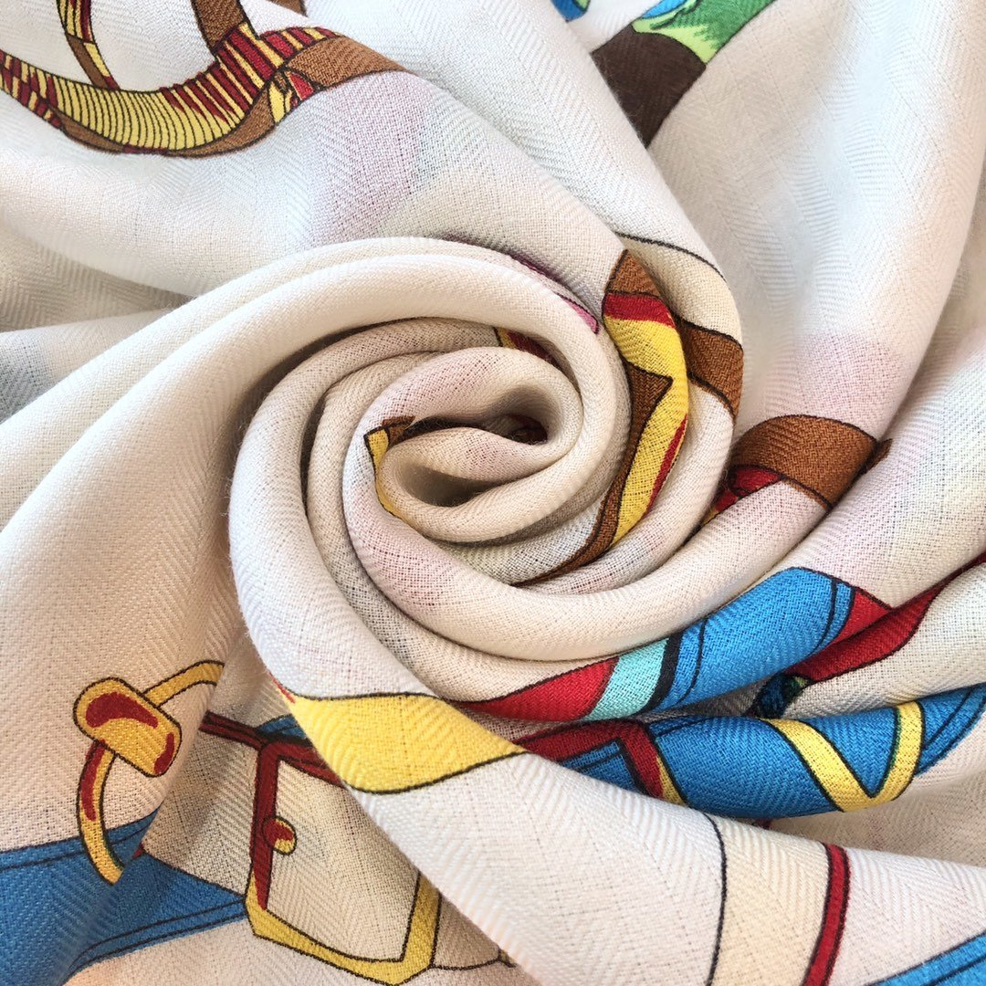 Hermes殿堂级御用丝绒大方巾(图6)
