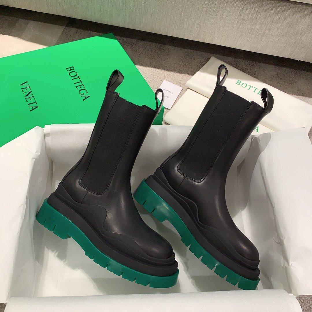 Bottega Veneta代购版本 2020秋冬新款彩色 底马丁靴(图3)