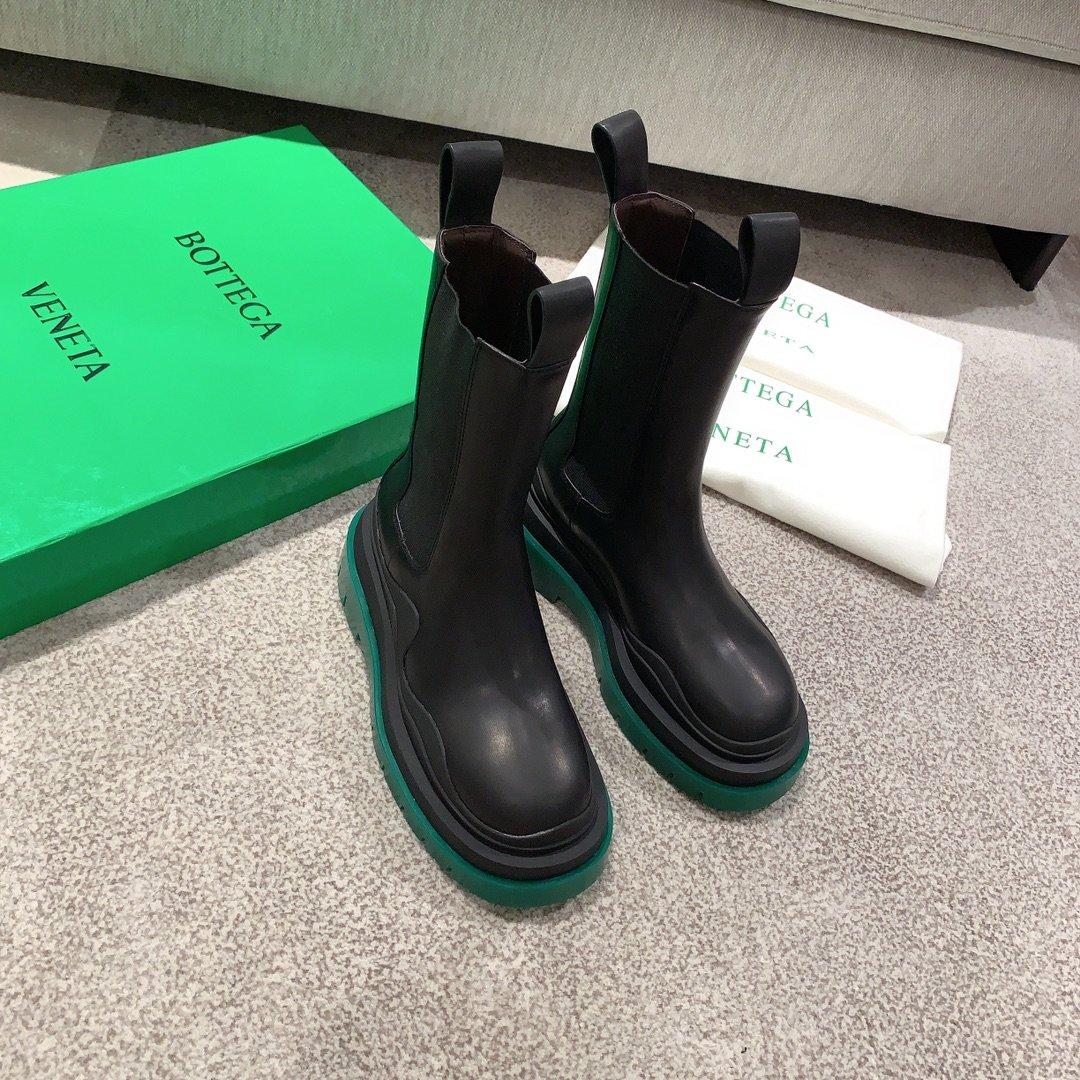 Bottega Veneta代购版本 2020秋冬新款彩色 底马丁靴(图1)