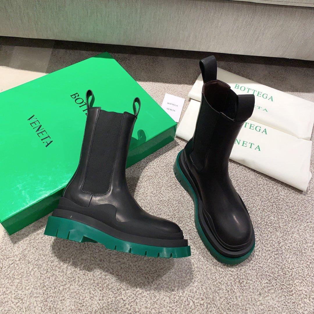 Bottega Veneta代购版本 2020秋冬新款彩色 底马丁靴(图2)