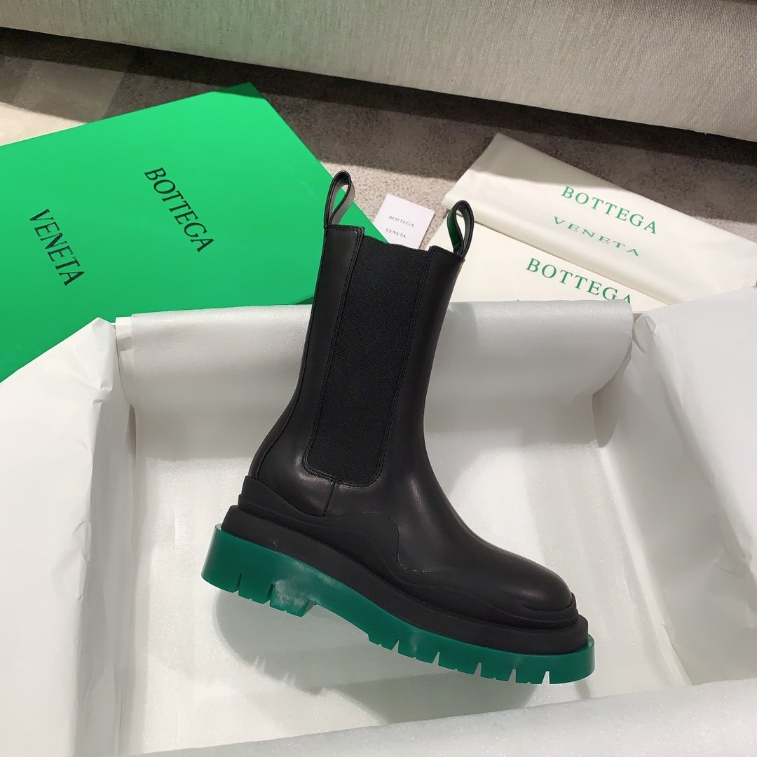 Bottega Veneta代购版本 2020秋冬新款彩色 底马丁靴(图4)