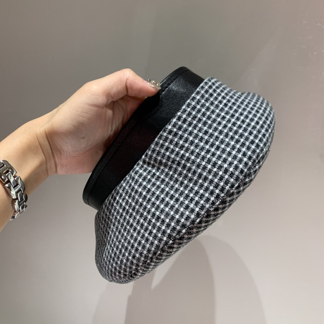 巴宝莉Burberry初秋新款贝蕾帽