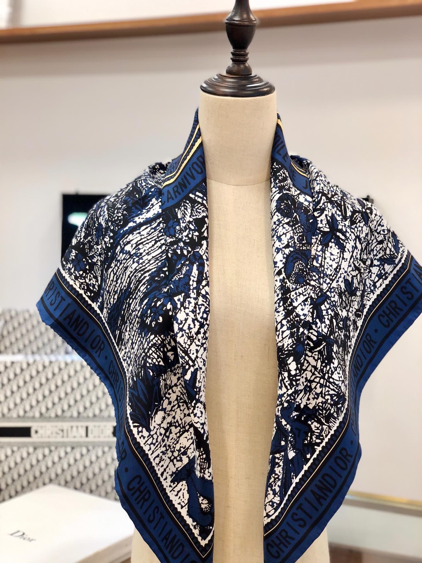 Dior丝巾 100%真丝 手工卷边丝巾 专柜有 售(图8)