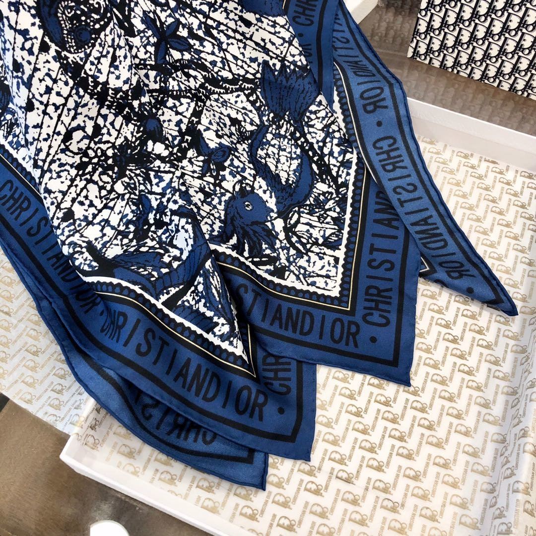 Dior丝巾 100%真丝 手工卷边丝巾 专柜有 售(图3)