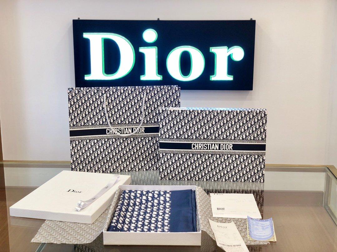 Dior老花印花顶级人字纹真丝方巾(图2)