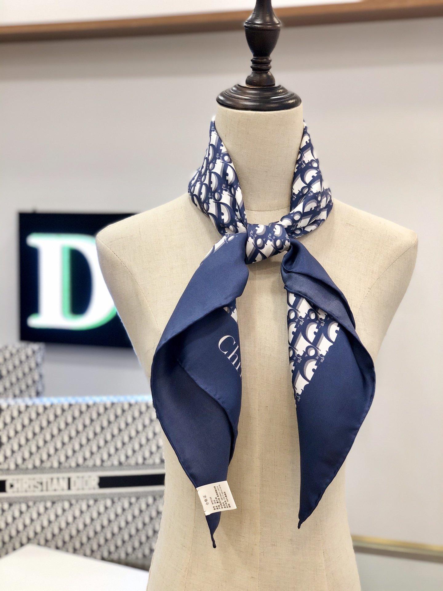 Dior丝巾 100%真丝 手工卷边丝巾 专柜有 售